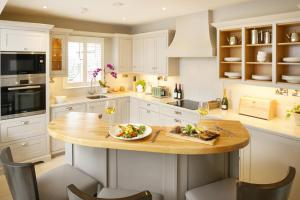 A kitchen or kitchenette at The Hawthorn