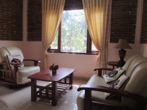A seating area at Kandyan Residence