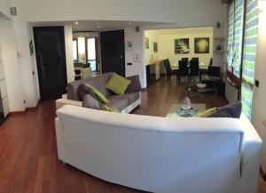 A seating area at Giulia Luxury Apartment