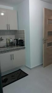 A kitchen or kitchenette at R&K