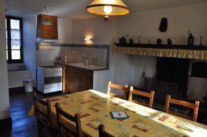 Cuisine ou kitchenette dans l'établissement L'Ancien Presbytère