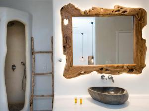 A bathroom at Sahas Suites