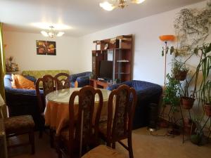 Un restaurante o sitio para comer en Departamento residencial en Cuzco