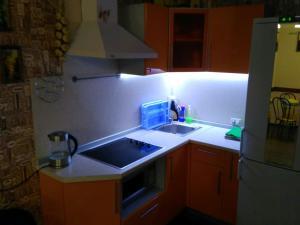A kitchen or kitchenette at Bungalow on Bannoye Lake