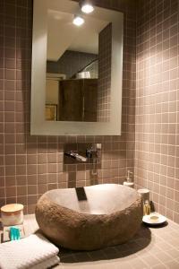 A bathroom at Le Studio de l'Atelier d'artiste