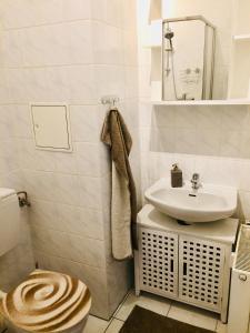A bathroom at Ferienwohnung Tiffy