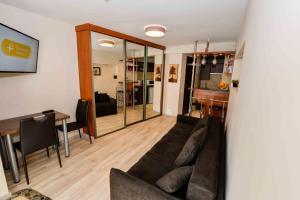 Svetainės erdvė apgyvendinimo įstaigoje Inga Urbiene's apartment