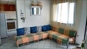 A seating area at Sobrinho Sonia
