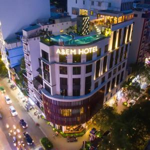 Khách sạn A & EM Thủ Khoa Huân