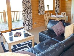 A seating area at Dartmoor Edge Lodge