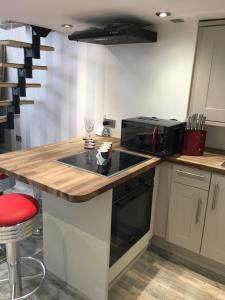A kitchen or kitchenette at Sea View Juliette