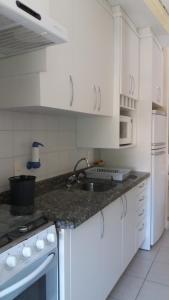 Una cocina o zona de cocina en Morada do Barão