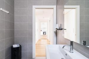 Salle de bains dans l'établissement HomeatHotel - Procaccini Apts