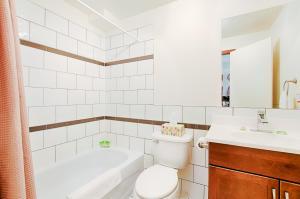 A bathroom at Le Haute Ville