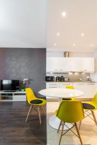 A kitchen or kitchenette at EXCLUSIVE Aparthotel