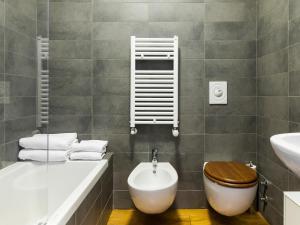 A bathroom at easyhomes-Piave Loft