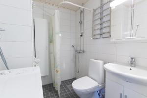 Kylpyhuone majoituspaikassa Studio apartment in Kotka, Kaivokatu 23 (ID 9828)