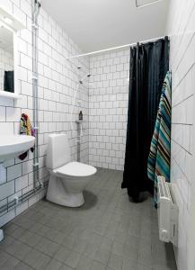 Salle de bains dans l'établissement Stockholm Hotel Apartments Bromma