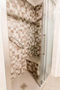 A bathroom at Apartamentos Palm Beach Club Carihuela