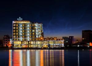 Khách sạn River