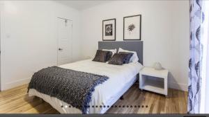 Voodi või voodid majutusasutuse Apartment Condotel Montreal toas