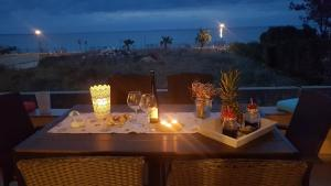 """A restaurant or other place to eat at Apartment """"DUNJA"""""""