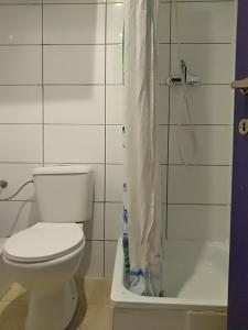 Et badeværelse på Apartments AMS Brussels Flats