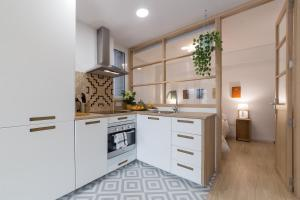 A kitchen or kitchenette at Valencia Just in the Middle