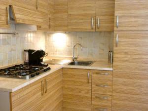 A kitchen or kitchenette at Il Borgo Di Porto San Paolo