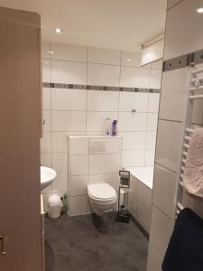 Ein Badezimmer in der Unterkunft Ferienwohnung Leo