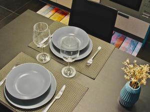 Un restaurante o sitio para comer en Apartamentos Salbide Zarautz