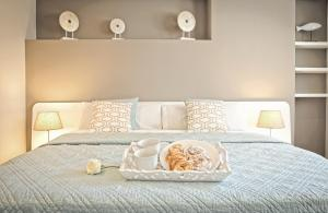 A bed or beds in a room at Luxury penthouse in the center of Valencia