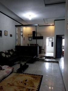 The lobby or reception area at EF Bromo Homestay