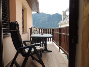 Ein Balkon oder eine Terrasse in der Unterkunft Apartma Bovec