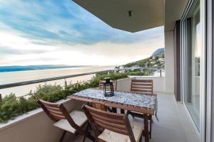 A balcony or terrace at Apartments Jolara