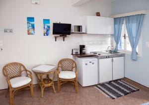A kitchen or kitchenette at Themelina Studios