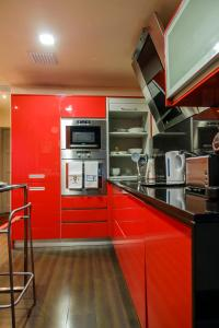A kitchen or kitchenette at Casa Flor de Lis - Braga Guesthouse