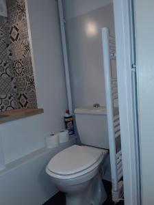 A bathroom at Studio Augouard, plein centre