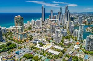 A bird's-eye view of Spacious House in Heart of Surfers Paradise