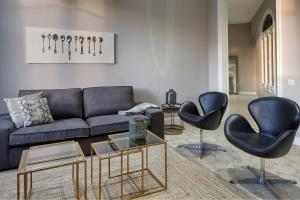 A seating area at Habitat Apartments Modernista