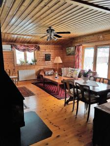 En restaurang eller annat matställe på Ferienhaus Styrsjöbo
