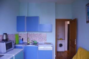 A kitchen or kitchenette at Кутузовский пр 5/3