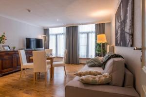 Uma área de estar em Inn Bruges