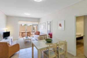 A seating area at Nesuto Geraldton (formerly Waldorf Geraldton Serviced Apartments)