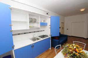 A kitchen or kitchenette at Casa Azzurra Sorrento