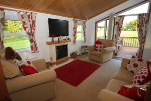 A seating area at Saxon Lodge