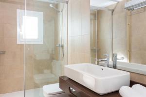 A bathroom at Quartprimera Apartments