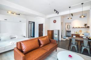 Scandinavian Apartment with Balcony in Bui Vien