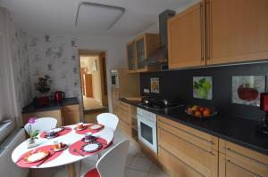 Küche/Küchenzeile in der Unterkunft Gästehaus Fährmann