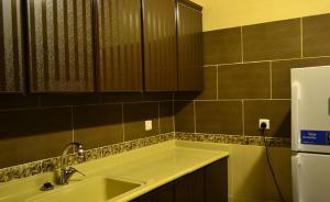 A bathroom at Arwaa Massa Aparthotel